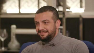 Photo of طلال مارديني يبكي حزنًا على فراق والدته ويصف كيف جاءته في المنام لتوصيه بـ3 أمور (فيديو)