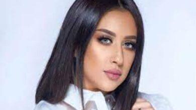 Photo of فرح الهادي تتصدر وسائل التواصل بسبب ضحكتها التي لا يحبها زوجها (فيديو)