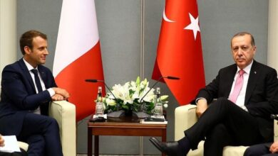 Photo of ماكرون: تركيا مهمة لاستضافتها اللاجئين وأخبرت أردوغان أن لامشكلة لدي مع الإسلام
