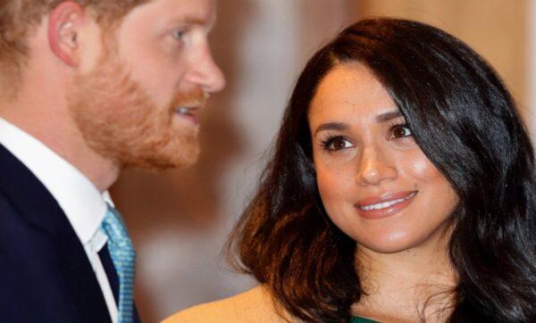 """ابنة عمرو دياب تشبه نفسها بزوجة الأمير هاري """"ميغان ماركل"""" (فيديو)"""