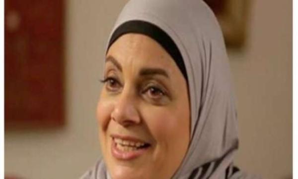 تزوّجت مرتين خلعت الحجاب بسبب الصداع.. معلومات عن الفنانة المصرية عفاف رشاد بعد إطلالتها المفاجئة