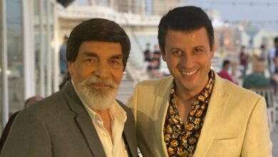 Photo of أحمد فاخوري برفقة ياسر العظمة في دبي والجمهور يعلق: نحنا زعلانين منك (صور)