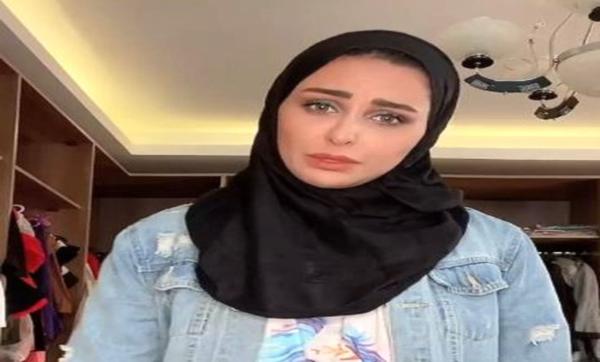 ميس حمدان ترتدي الحجاب وتعلق: والنبي الحجاب حلو ولذيذ.. ومتابعون: وشك نوّر (صورة)