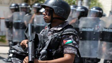 Photo of الأردن يقرر إجراءات أمنية نادرة بحق كبار مسؤوليه لأسباب لم يحددها