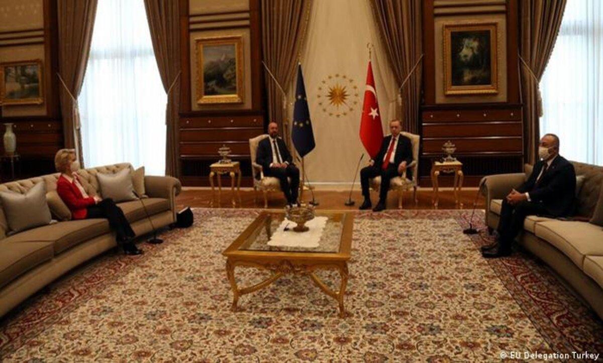 بعد موقف وصف بالمحرج لمسؤولة أوروبية خلال اجتماع في أنقرة.. جاويش أوغلو يوضح (فيديو)