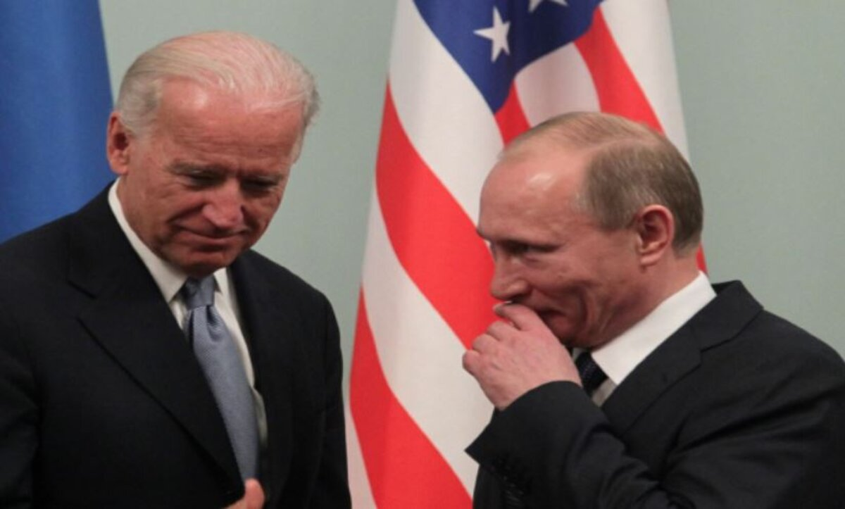 أمريكا تعلن إجراءات بحق شخصيات في روسيا وتطرد دبلوماسيين لها وتتوعد بالمزيد