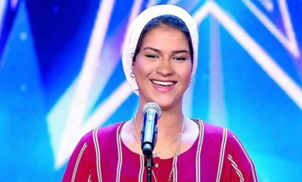 """إيمان الشميطي.. أول مغنية حامل في برنامج """"آراب غوت تالنت"""" تعلن أنها عزباء"""