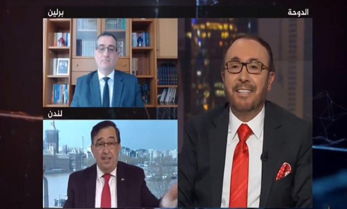 """فيصل القاسم يرد على ضيفه بعد وصفه نظام الأسد بدولة مؤسسات: أنا الي نزلت 90 ألف """"برميل"""" على السوريين (فيديو)"""