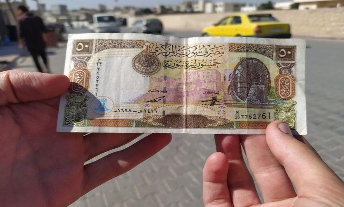 الليرة السورية تعود للتراجع مقابل العملات والذهب وارتفاع كبير لأسعار الوقود في حلب