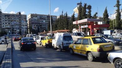 Photo of عبر تطبيق إلكتروني مثير للجدل.. نظام الأسد يسمح لأصحاب المركبات الخاصة بنقل الركاب ونشطاء يحذرون