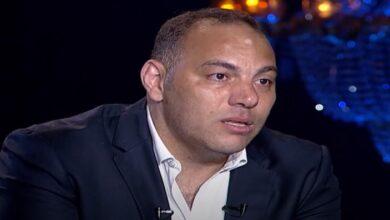 Photo of اللاعب المصري أحمد بلال باكيًا: رحيل طفلي أصعب تجربة في حياتي وتركت لعب كرة القدم بعدها (فيديو)