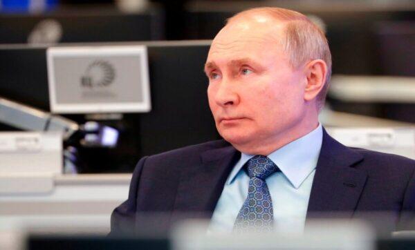 روسيا تتجه نحو العزلة.. زاخاروفا تتحدث عن استعراض مسرحي ونائب يحذر الغرب من إيقاظ الدب