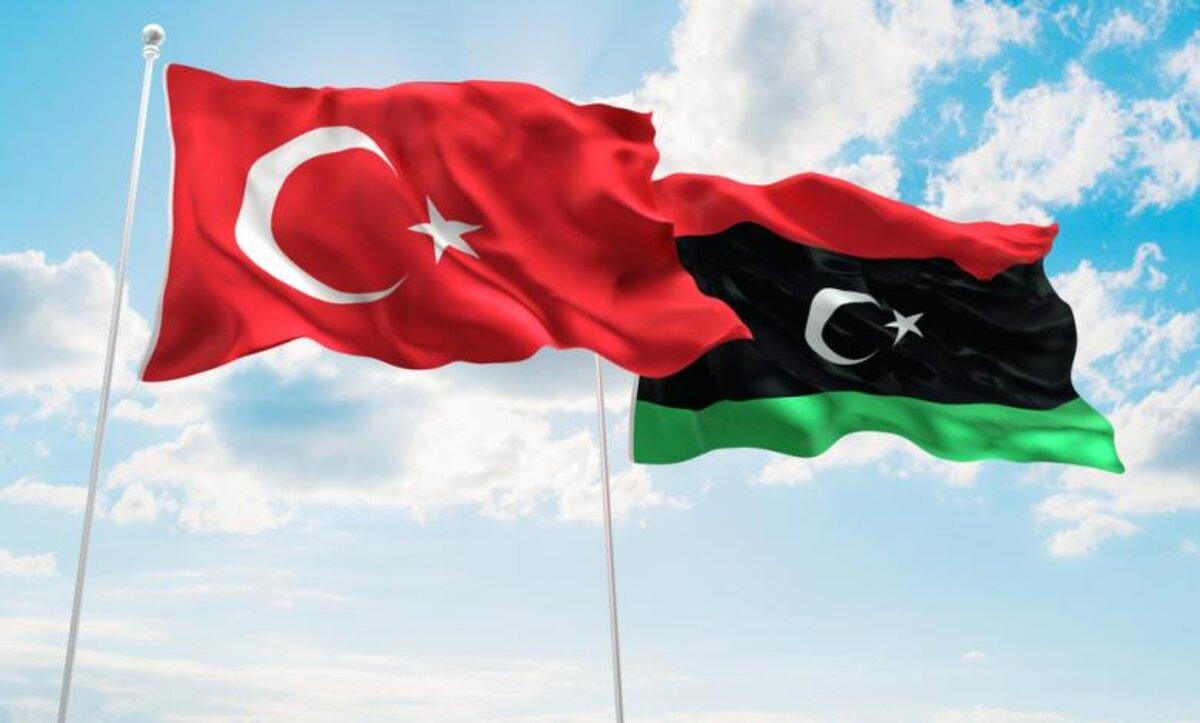 أكاديمي: فرنسا تسعى لإعادة تأكيد وجودها في ليبيا بعد تفوق تركيا عليها