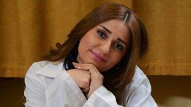 Photo of ربى المأمون: رحيل والدي أصعب موقف في حياتي.. ولا أنصح أحد باحتراف الفن (فيديو)