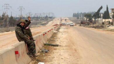 Photo of روسيا تخلي مواقع لها شمال حلب وتعزيزات إيرانية جنوباً والأسد يواصل تقديم النفوذ للطرفين