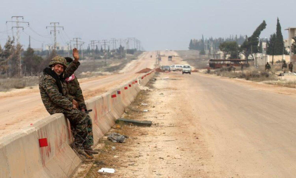 روسيا تخلي مواقع لها شمال حلب وتعزيزات إيرانية جنوب المحافظة والأسد يواصل تقديم النفوذ للطرفين