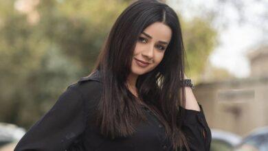 Photo of روعة السعدي في صورة نادرة مع والدها هاني ومتابعون يشبهونها بأختها ربى