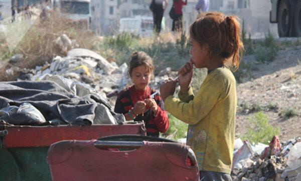 الشرق الأوسط: الظروف الاقتصادية والمعيشية تجعل السوريين يلجؤون إلى مناطق سيطرة المعارضة