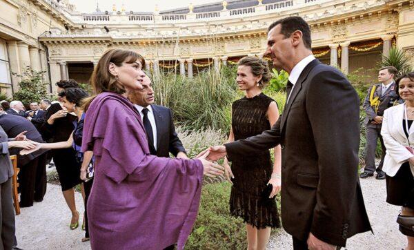 مجلة فرنسية تصف أسماء الأسد بالسيدة الأولى المحتالة وشريكة بشار المتعطشة للسلطة