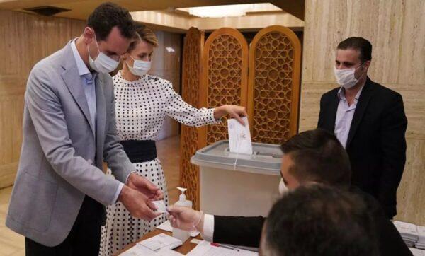 """""""مو معروفة قرعة أبوهم"""".. نشطاء يتفاعلون مع المنافسين المزعومين لانتخابات بشار الأسد"""