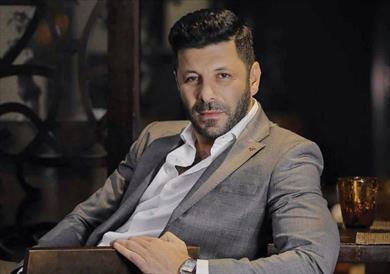 إياد نصار للحسيني: لدي أقساط تجعلني أقبل أعمال لا تقنعني