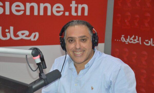 إعلامي تونسي يطرد ضيفته على الهواء وإدارة المحطة تعتذر وتعلن إيقافه والمذيع يوضح موقفه (فيديو)