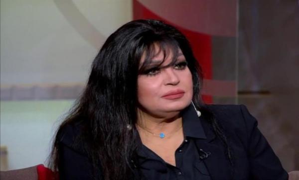 والدها عمل ضابطًا واسمها الحقيقي عطيات وتزوّجت 6 مرات.. معلومات عن الفنانة فيفي عبده بمناسبة عيد ميلادها الـ 68