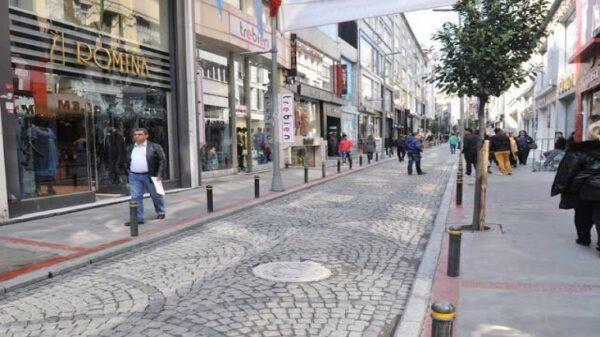 تركيا تدرس خطة عودة تدريجية إلى الحياة الطبيعية بعد فترة الإغلاق الكامل