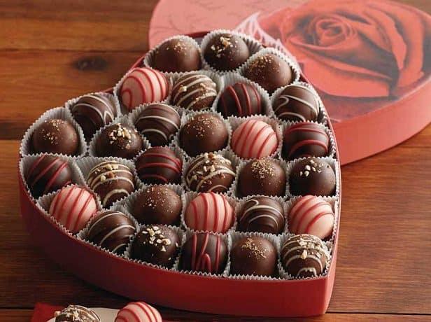 حلويات العيد ليست كما تتوقع.. صحيفة تعدد فوائد صحية كبيرة للشوكولا الداكنة