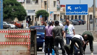 "Photo of مسؤول لبناني يدعو لإعادة السوريين الذين سيشاركون ""بمهزلة الانتخابات الرئاسية"" فوراً"