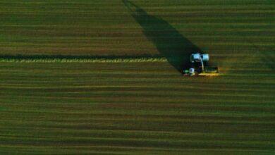 Photo of مزارع يضم أراضي فرنسية إلى بلجيكا ويثير الحديث عن أزمة حدود دبلوماسية