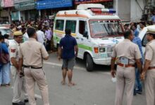 Photo of من أجل إنقاذ شخصية هامة.. شرطة الهند تتسب في موت سيدة عجوز بعد سحب أسطوانة الأكسجين منها (فيديو)