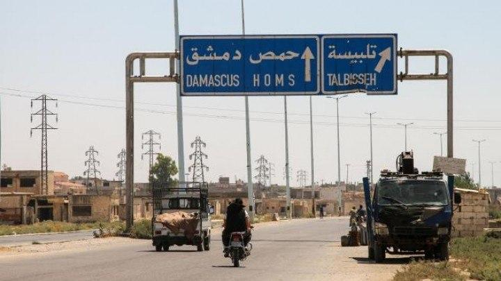 عنصر روسي يُذل ضابطاً تابعاً لماهر الأسد وتوتر مع المجموعات الإيرانية شرقي حمص