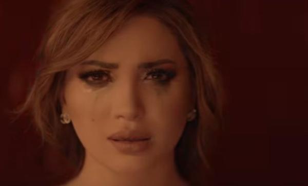 نسرين طافش تبكي على الهواء بسبب ما يحدث في فلسطين: يحزنني أنني لا استطيع أن أقدم أي شيء