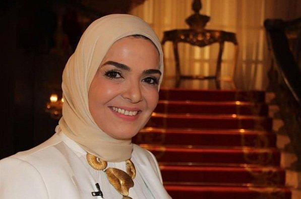منى عبدالغني تعتزم التحضير لأول أغنية مهرجانات لها بكلمات بسيطة (فيديو)