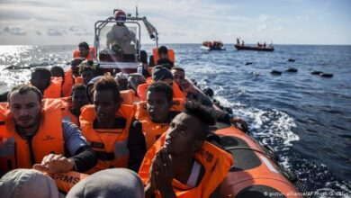 Photo of سفينة تركية تنقذ حياة مهاجرين وتواجه أزمة دبلوماسية مع دولتين