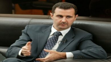 Photo of علي فرزات يروي تفاصيل لقاء مع بشار الأسد في مكتبه عام 2001