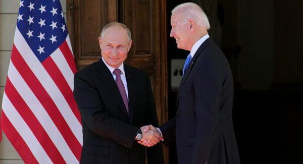 كاتب سوري: بوتين حاول إقناع بايدن فتح صفحة جديدة تجاه بشار الأسد