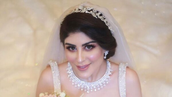 زارا البلوشي ترد على تعليقات انتقدت ظهورها بالمايوه وتتحدث عن وزنها وطولها (فيديو)