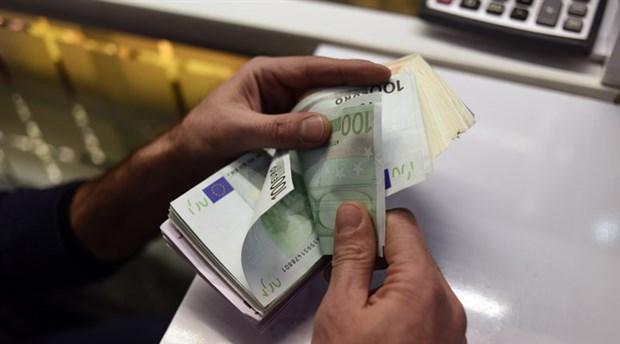 انخفاض طفيف في أسعار الذهب واستقرار نسبي للعملات مقابل الليرة في سوريا