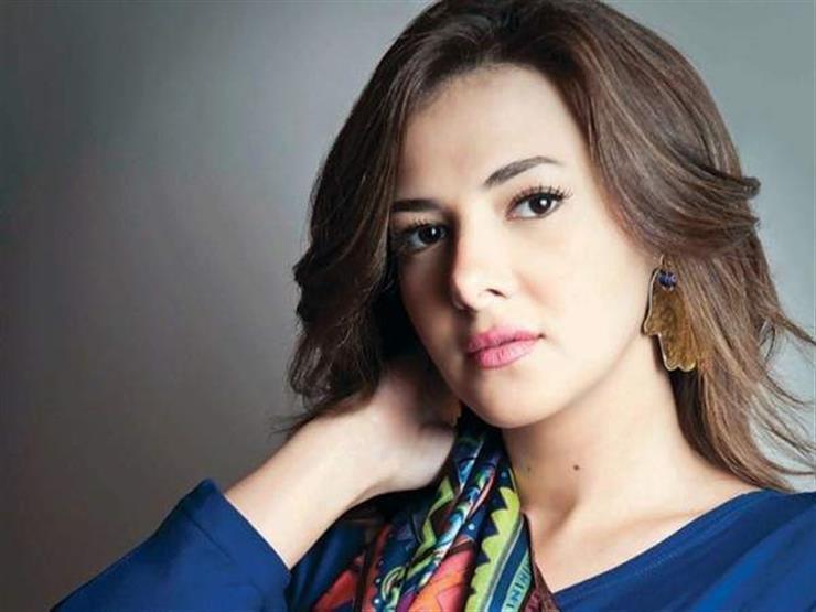 دنيا سمير غانم تعتذر عن مهرجان أسوان لسينما المرأة بسبب حالة والدتها الصحية