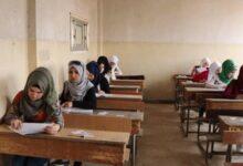 Photo of تسريب أسئلة الامتحانات يتسبب بإيقاف رؤساء مراكز امتحانية في دير الزور ودرعا