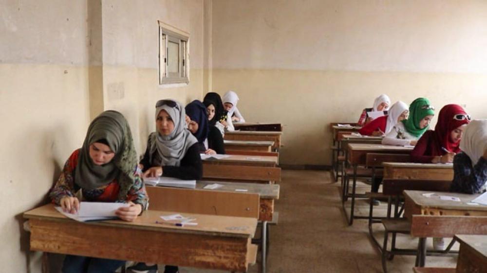 تسريب أسئلة الامتحانات يتسبب بإيقاف رؤساء مراكز امتحانية في دير الزور ودرعا