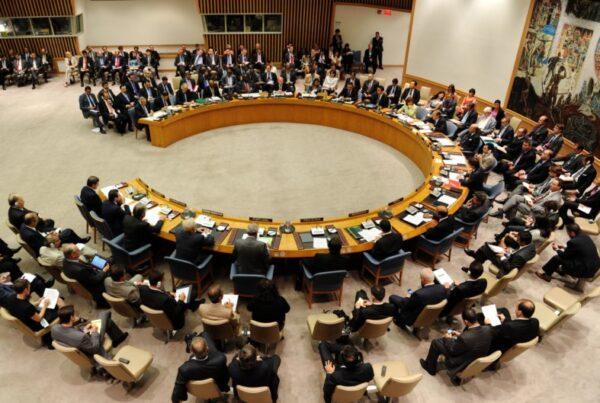 تقارير: الدول الكبرى في مجلس الأمن تحجّم القضية السورية إلى أزمة مساعدات