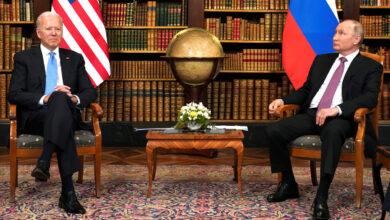 Photo of كرافة بوتين وبايدن حديث المحللين.. إحداها طفولية تفتقد للثقة والأخرى تعبر عن الحسم والتصميم