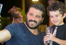 "Photo of يزن السيد يلتقي بأبنه بعد غياب سنة وأربعة أشهر معلقًا: ""للعشق عنوان"""