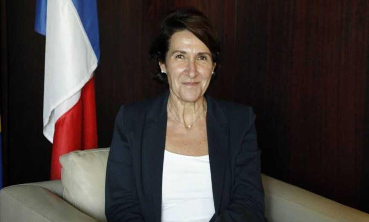إيقاف بث كلمة للسفيرة الفرنسية