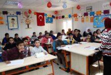 Photo of مصدر: المعلمون السوريون في تركيا مستمرون في عملهم وقرار فصلهم غير صحيح