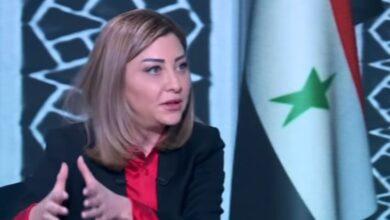 Photo of لونا الشبل تتلقى أسئلة جريئة لتفسير خطاب بشار الأسد ومتابعون: لولا الثورة لما منحتم جزءاً من هذه الحرية (فيديو)