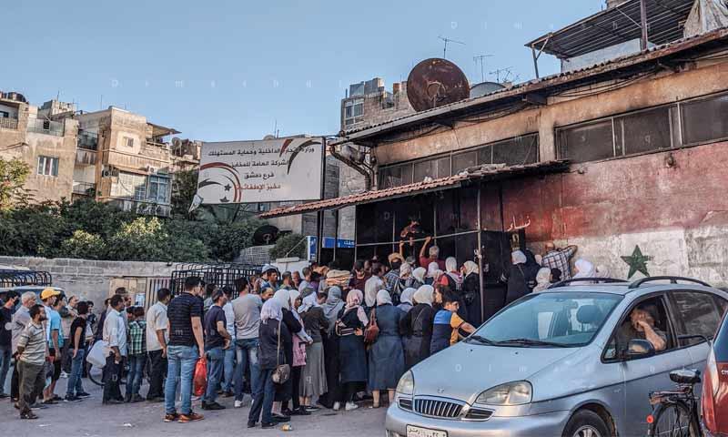 نظام الأسد يعلن تخفيض كميات الخبز للسوريين بعد عيد الأضحى